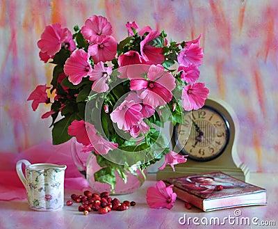 Rosafarbener Blumenstrauß