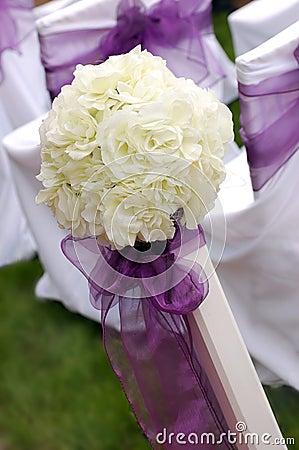 Rosas brancas que wedding o ramalhete