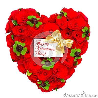 Rosas rojas en forma de corazón con la cinta de oro