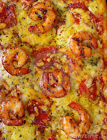 Free Rose Colored Garden Prawns In Wine Marinade On Tomato Pizza Stock Photos - 1551053