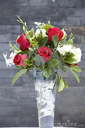 Free Rose Flowers In Glass Vase(1) Stock Images - 4928564