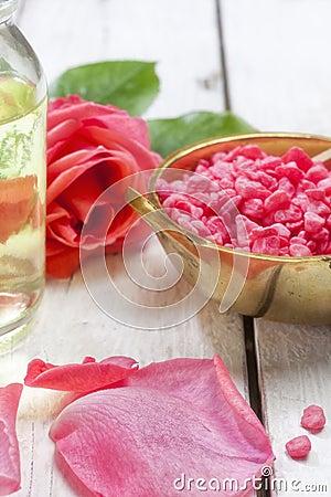 Free Rose Spa Bath Salt And Massage Oil Closeup Royalty Free Stock Photos - 103449918