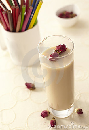 Rose tea with milk