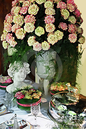 Free Roses For Dinner Party Royalty Free Stock Photos - 2481298