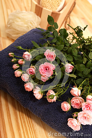 Roses, towels and spa accessories