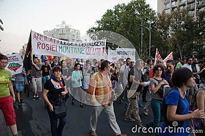 Rosia Montana Protest em Bucareste, Romênia - 7 de setembro Foto Editorial