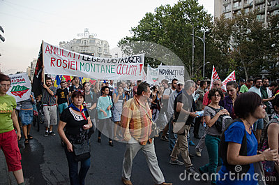 Rosia Montana Protest i Bucharest, Rumänien - 07 September Redaktionell Bild