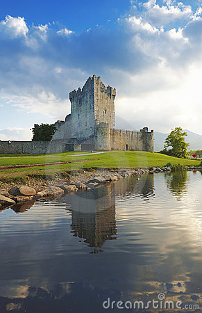 Free Ross Castle Royalty Free Stock Photography - 9863487