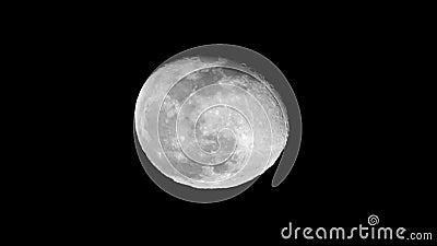 Rosto de lua super cheio com seus vales e crateras filme