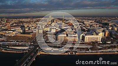 A rotação velha épico da cidade disparou em 4k, cidade velha de Riga filme