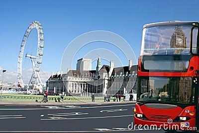 Roter Bus, Big Ben, Auge London Redaktionelles Bild