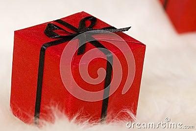Roter Geschenkkasten