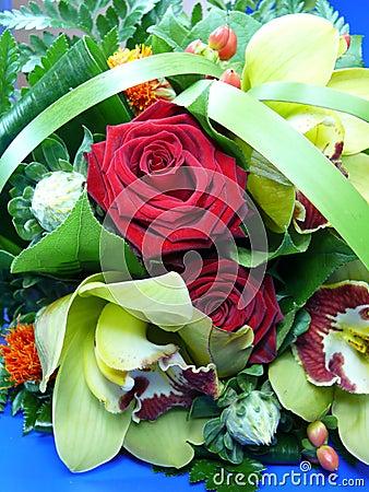 Roter Rosen-Blumenstrauß