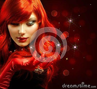 Rotes behaartes Mädchen