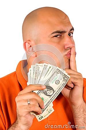 Roubando o dinheiro