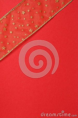 Rouge et cadeau d or