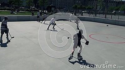 Rouleau dans la ligne hockey banque de vidéos