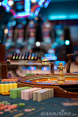 Free Roulette Wheel Table With Chips Piles Stock Image - 20065391