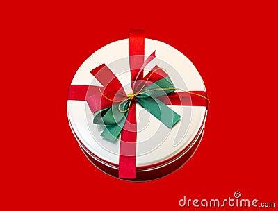Round box present