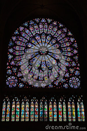 Free Round Stained Glass Window In The Notre Dame De Paris Royalty Free Stock Photos - 46723038