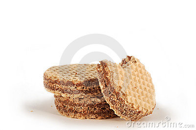 Round wafers with cocoa cream