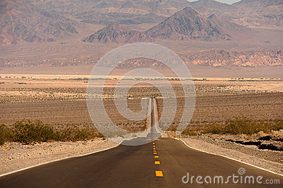 Route dans Death Valley