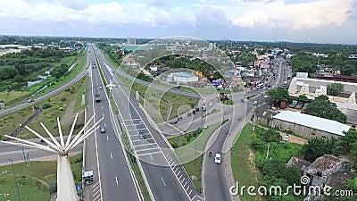 Route de Colombo au Sr Lanka de Katunayake banque de vidéos