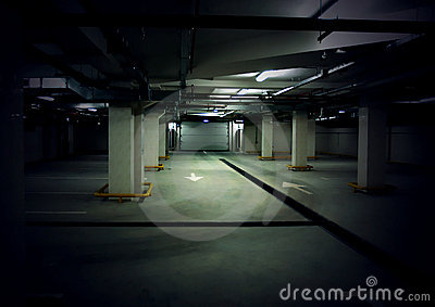 Route en parking souterrain