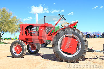 USA: Classic Tractor: 1948 Leader Editorial Photography