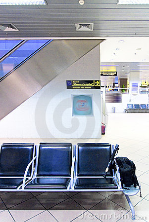 Free Row Of Chairs At Airport Royalty Free Stock Image - 7752446