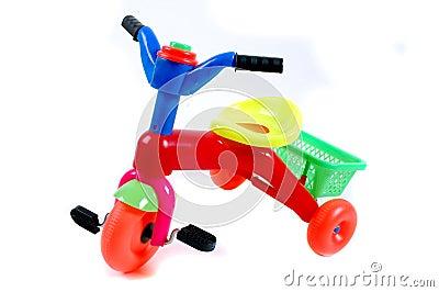 Rower żartuje plastikowe zabawki