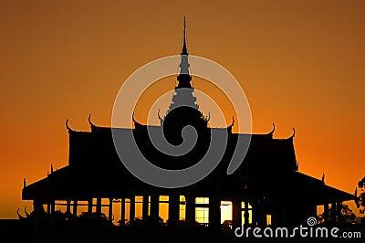 Royal Palace in Phnom Penh at dusk