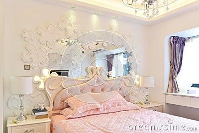 Roze Slaapkamer Stock Foto - Afbeelding: 56821119