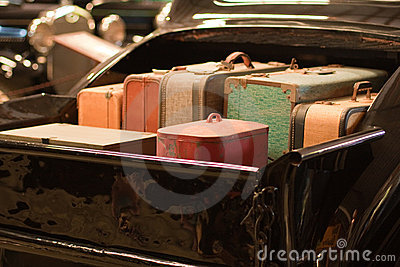 Rétro valises dans le bâti du camion classique