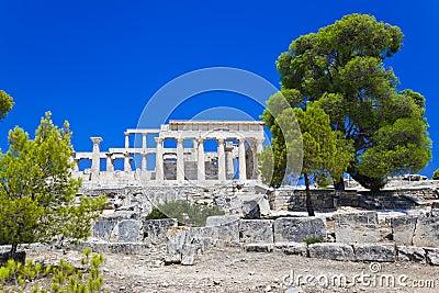 Ruïnes van tempel op eiland Aegina, Griekenland