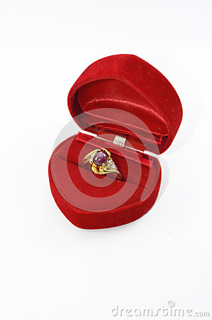 Free Ruby Ring In The Rings Box Royalty Free Stock Images - 27356759
