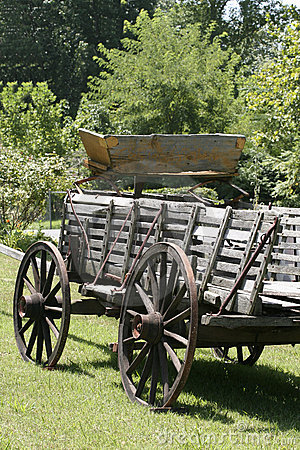 Free Rugged Weathered Wagon Royalty Free Stock Photo - 1080825