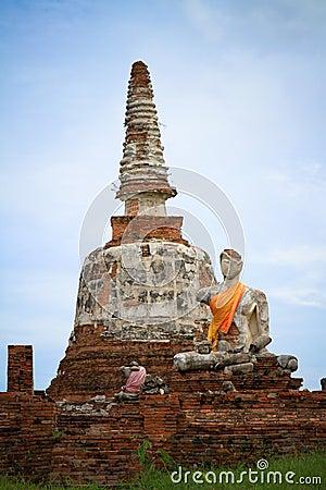 Ruin buddha with the old pagoda