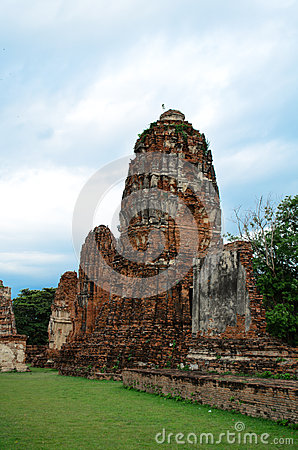 The Ruin of Buddha status