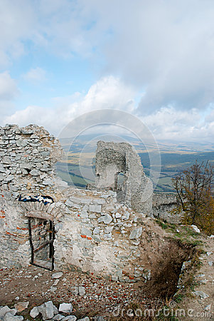 Free Ruin Of Castle Gymes, Wall And Door Royalty Free Stock Images - 48244879