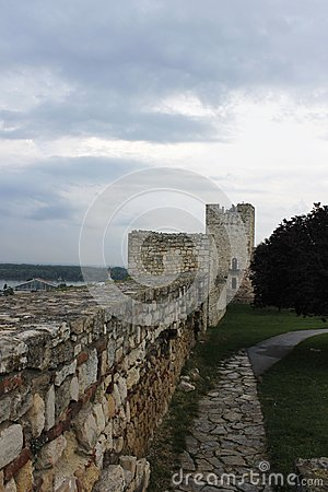 Free  Ruined Castle Walls Royalty Free Stock Photos - 46603918