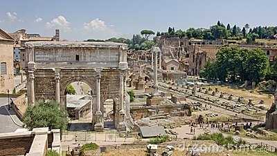 The ruins of ancient Rome reveal ancient splendor