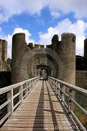 Free Ruins Of Caerphilly Castle, Wales. Stock Images - 20183264