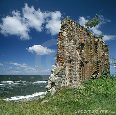 Free Ruins Of Church On The See Coast Stock Photos - 5314443