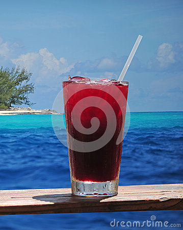 Free Rum Punch Or Fruity Drink In A Tropical Paradise Stock Photo - 32302200