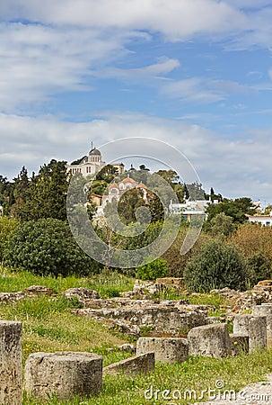 Ruínas antigas da ágora e obervatório de Atenas