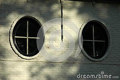 Fönster runda fönster : Runda Fönster Arkivfoto - Bild: 305820