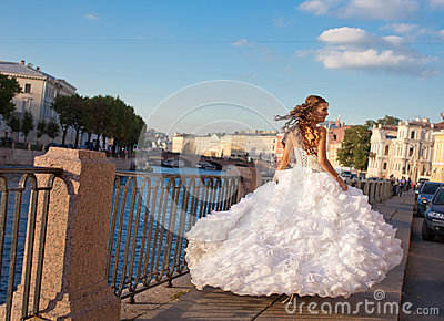 Running bride outdoor