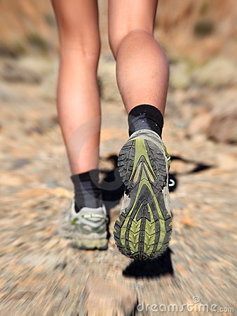 Free Running Trail Shoes - Feet / Legs Closeup Royalty Free Stock Photography - 16418337