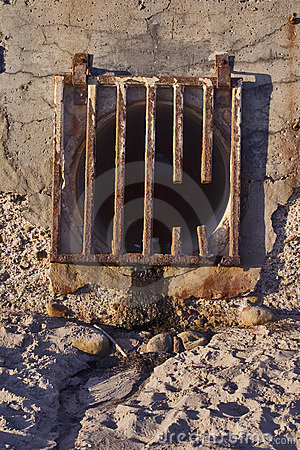 Free Runoff Grate Royalty Free Stock Photos - 6559188